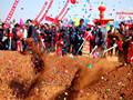 新疆甘河子镇270余户居民迁新居